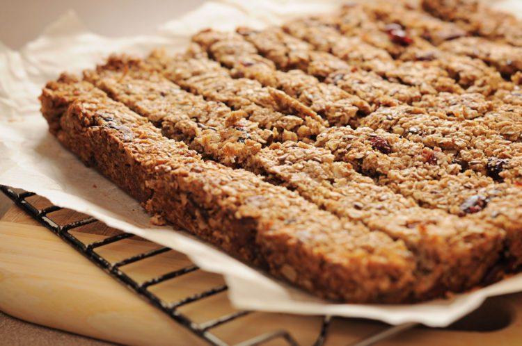 Gluten free muesli bars – Yummy, chewy & simple